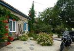 Hôtel Saint-Hilaire-de-Loulay - La maison bleue-2