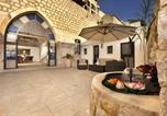 Location vacances Safed - The Antiquity Heart Mansion-2