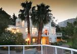 Location vacances Hout Bay - Art Gallery Guest House - Thandekayo-4