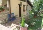 Location vacances Castelraimondo - Countryhouse Il Sentiero Degli Ailanti-2