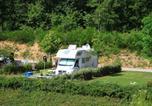 Camping avec Piscine Rieupeyroux - Flower Camping du Lac de Bonnefon-1