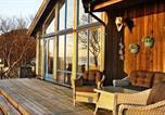 Location vacances Harstad - Three-Bedroom Holiday home in Borkenes-3