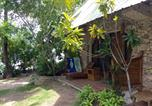 Villages vacances Moalboal - Ravenala Beach Bungalows-3