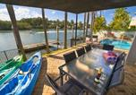 Location vacances Redland Bay - Holiday Home Sanctuary Cove Blue-2
