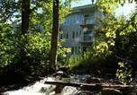 Location vacances Stoneham - Les Chalets Alpins - Chemin du Hameau-1