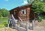 Villages vacances Concord - Forest Lake Camping Resort Lakefront Cabin 1-1