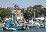 Location vacances La Londe-les-Maures - Apartment Seafront-1