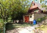 Location vacances Göd - Retro Wood House-1
