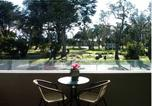 Location vacances Red Hill - Westend Apartment at the Beach-1