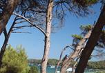 Camping avec Accès direct plage Saint-Cyr-sur-Mer - Camping Le Méditerranée-2