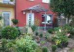 Location vacances Schleithal - Ferienhaus Schloss-Garten-2
