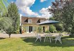 Location vacances Cluis - Holiday home Varennes 39-1