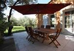 Location vacances Noves - Gite Les Romarins en Provence-4