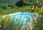 Location vacances Castelraimondo - Country House La Casa dei Fiori-3