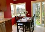 Location vacances Burnaby - Cozy Bungalow Home by the Skytrain-4