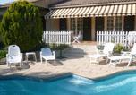 Hôtel Six-Fours-les-Plages - Villa Rozelands-1