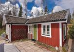 Location vacances Borås - One-Bedroom Holiday Home in Hillared-4