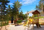 Camping avec Piscine Saint-Bonnet-le-Château - Chalets du Haut Forez-3