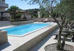Location vacances Kukljica - Apartments Daniela-1