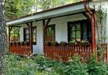 Location vacances Kościerzyna - Holiday Home Gołubie-1