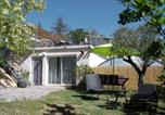 Hôtel Saint-Priest - Domaine des Loriots cabanes d'hotes sous les arbres-1