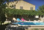 Location vacances Sarrians - Five-Bedroom Holiday Home in Aubignan-1