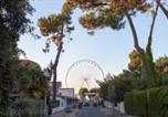 Location vacances La Gripperie-Saint-Symphorien - Residence Sous Les Pins