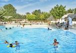 Camping avec Club enfants / Top famille Le Verdon-sur-Mer - Domaine Résidentiel de Plein Air Clairefontaine-1