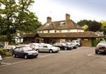 Hôtel Balcombe - Premier Inn Gatwick Crawley Town - Goff's Park-4