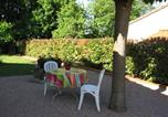 Hôtel Mondonville - B&B Entre Bois et Piscine-4