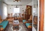 Location vacances Plougrescant - Holiday Home Penvenan with Patio V-2