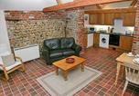Location vacances Northrepps - Farm Cottage-2