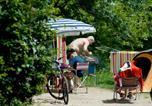 Camping avec Club enfants / Top famille Bellegarde-en-Marche - Huttopia Royat-4