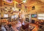 Location vacances Gatlinburg - Mountain Dreams - Five Bedroom Home-1