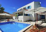 Location vacances Nin - Villa Spirini dvori-1
