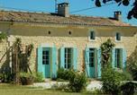 Location vacances Saint-Dizant-du-Gua - La Grande Croisette-1