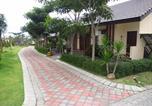 Villages vacances Batu - Bess Resort & Waterpark Hotel and Convention-1