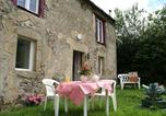Location vacances Saint-Priest-des-Champs - Holiday Home Maison De Vacances - Charensat-4