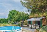 Location vacances Fontvieille - Two-Bedroom Holiday Home in Fontvieille-3