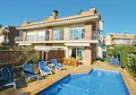 Location vacances Sant Andreu de Llavaneres - Five-Bedroom Holiday Home in Sant Vicenc de Montalt-1