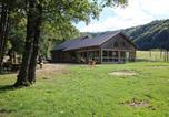 Location vacances La Chaux-du-Dombief - Parc animalier du Hérisson-1