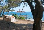 Camping avec Accès direct plage Vallauris - Campéole Le Dramont-1