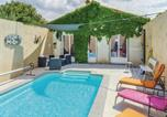 Location vacances Puichéric - Four-Bedroom Holiday Home in La Redorte-1