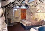 Hôtel Big Bear Lake - Castle Wood Theme Cottages- Couples Only-2