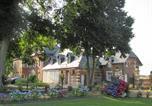 Location vacances Ectot-l'Auber - Le Chateau de Valliquerville-1