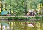 Camping avec Piscine Trogues - Huttopia Rillé-1