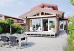 Location vacances Twijzel - Holiday Home De Smient with Sea View 09-2