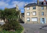 Location vacances  Ille-et-Vilaine - Holiday home Cancale-2