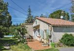 Location vacances Grans - Two-Bedroom Holiday Home in Miramas-2