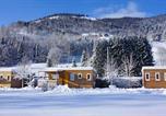 Camping avec Site nature Huanne-Montmartin - Kawan Village - Le Domaine de Champé-4